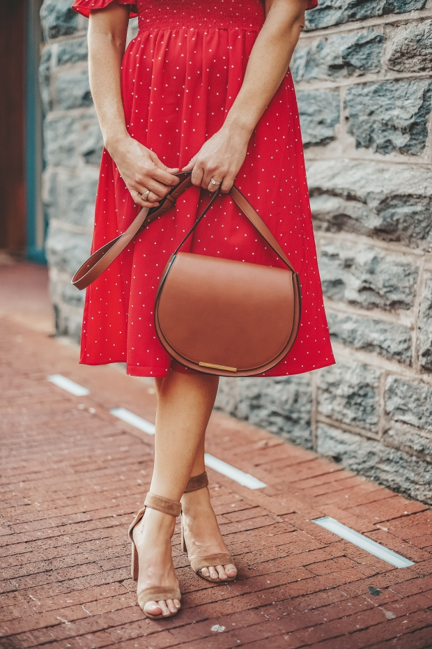 cuyana saddle bag copy.jpg